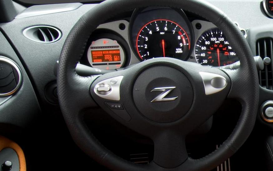 Nissan 370z Interior Pictures Vs 350z Interior Nissan