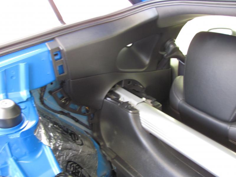 nissan 350z rear speakers not working