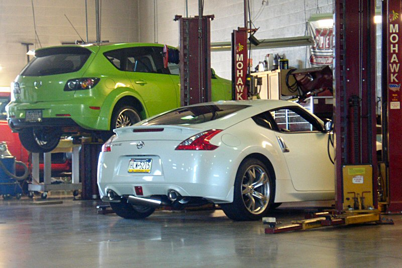 Nissan 370z forum lunaz 39 s album my z picture for Garage nissan terville 57